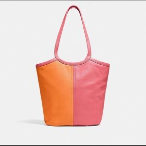 NWT COACH BEA TOTE IN COLORBLOCK LEATHER!💗🧡